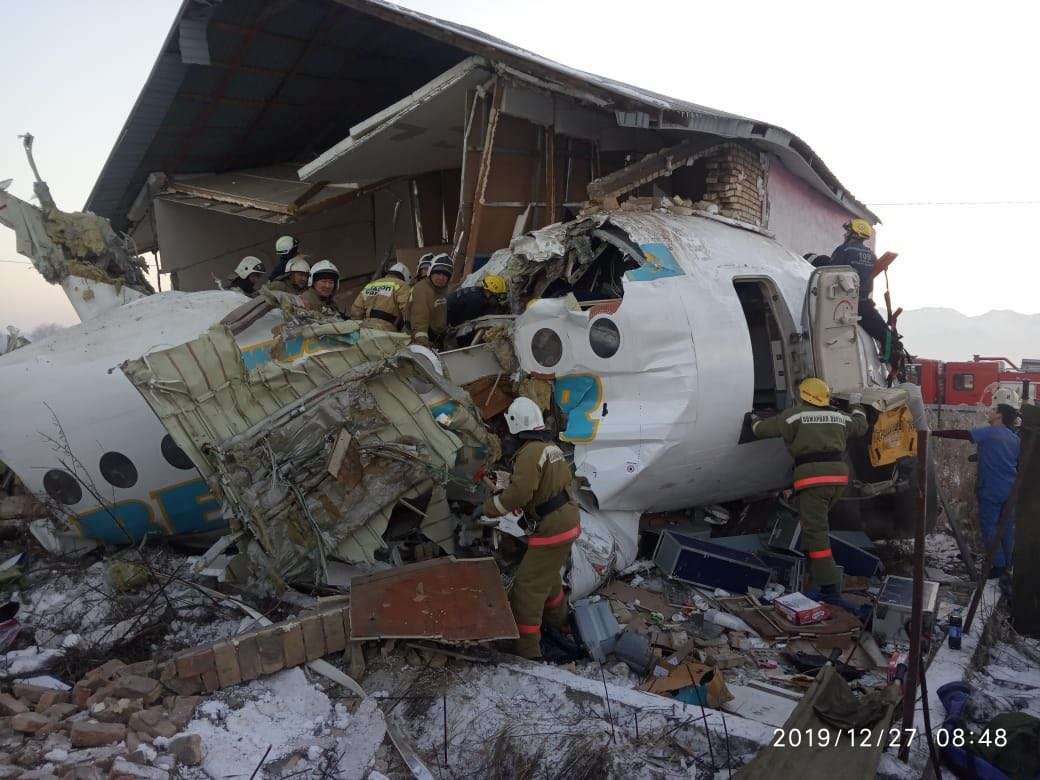 Самолёт Bek Air упал в Алматинской области