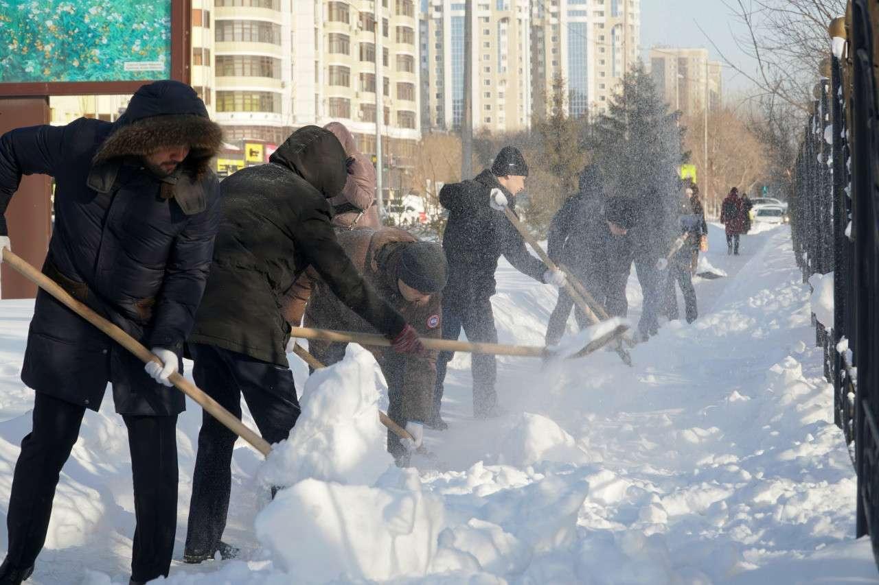 Горожане убрали 4800 кубов снега