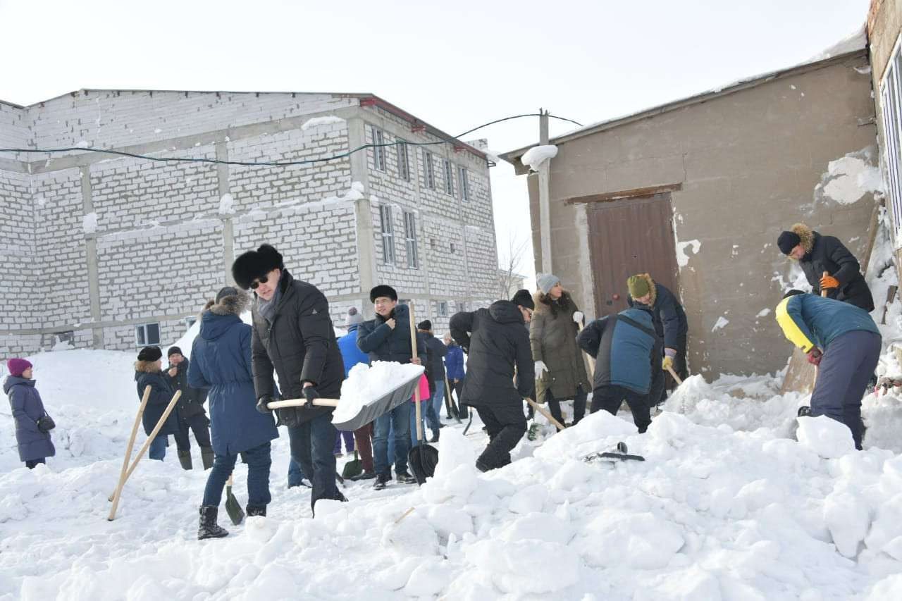 Сотрудники акимата района имени Байконур