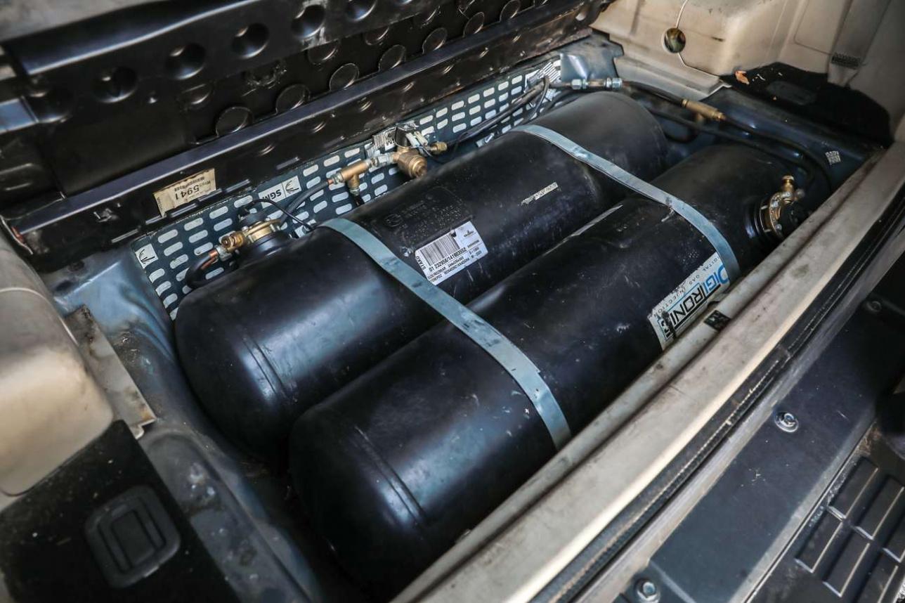 Газовые баллоны установленные в багажник автомобиля