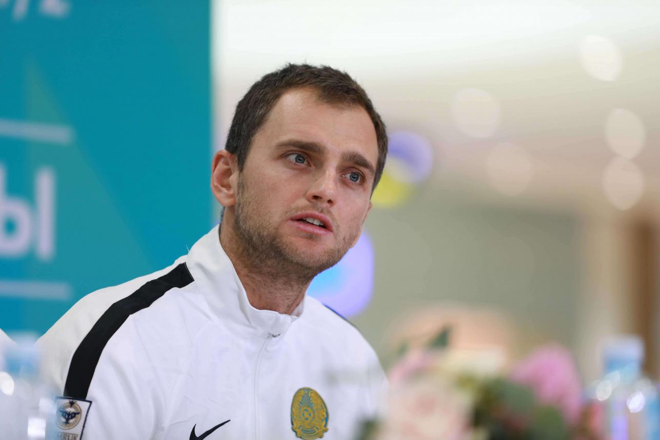Теннисист сборной Казахстана Александр Недовесов