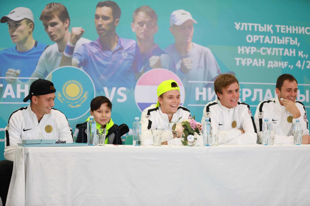 Встреча игроков Национальной сборной по теннису с фанатами и любителями тенниса в Нур-Султане