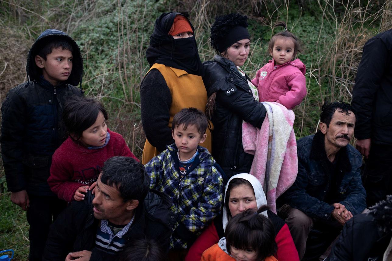 500 человек прибыли на лодках на греческие острова