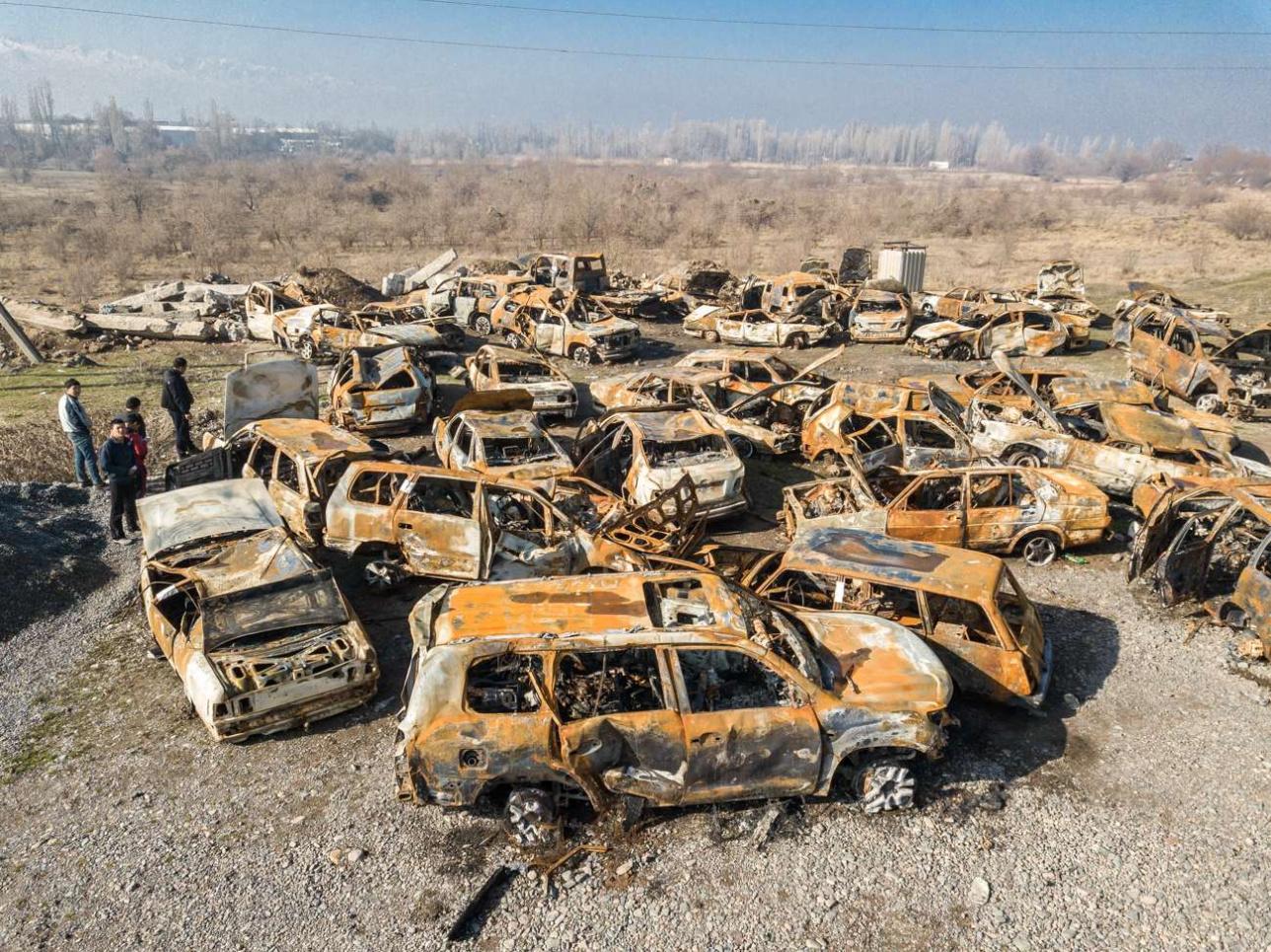Кладбище сгоревших автомобилей вблизи села Аукатты