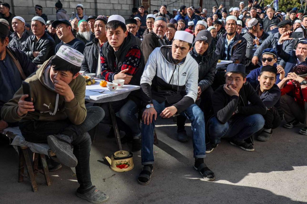 Жители села Масанчи на встрече с Бердыбеком Сапарбаевым