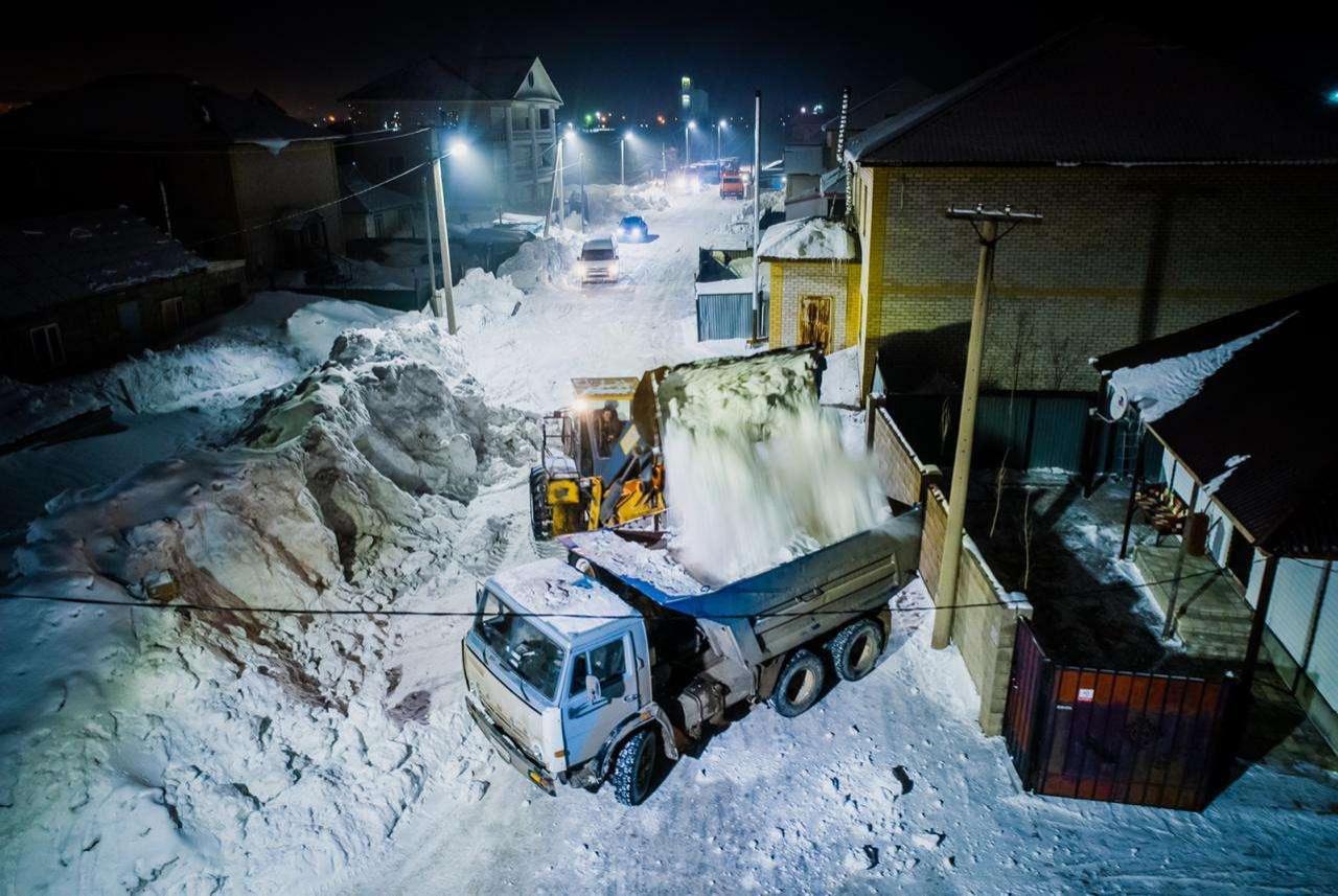 Вывоз снега в столице