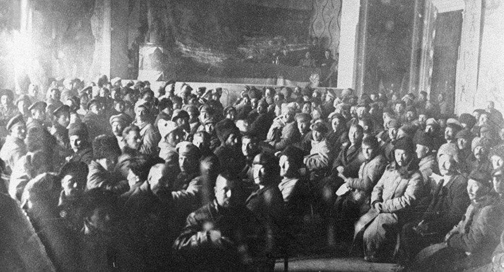 Делегаты первого учредительного съезда Советов в Казахстане