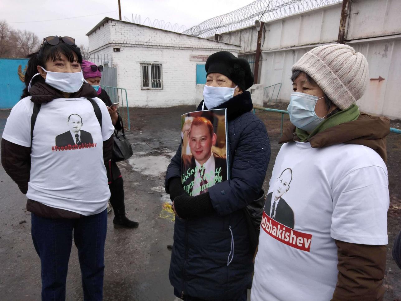 Активисты в Семее ждут освобождения Джакишева
