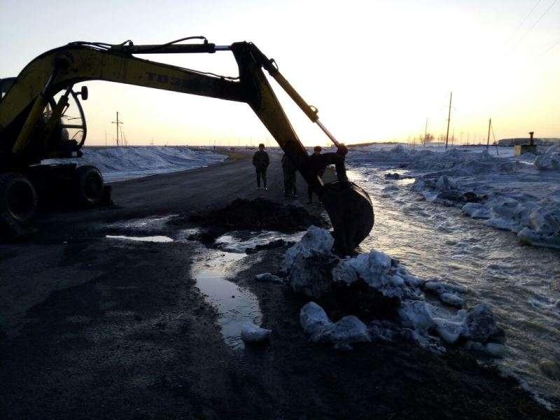 Очистка снега в Карагандинской области