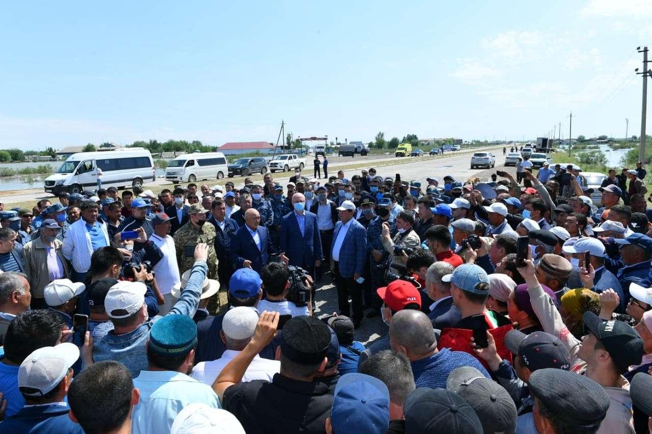 Роман Скляр встретился с эвакуированными жителями