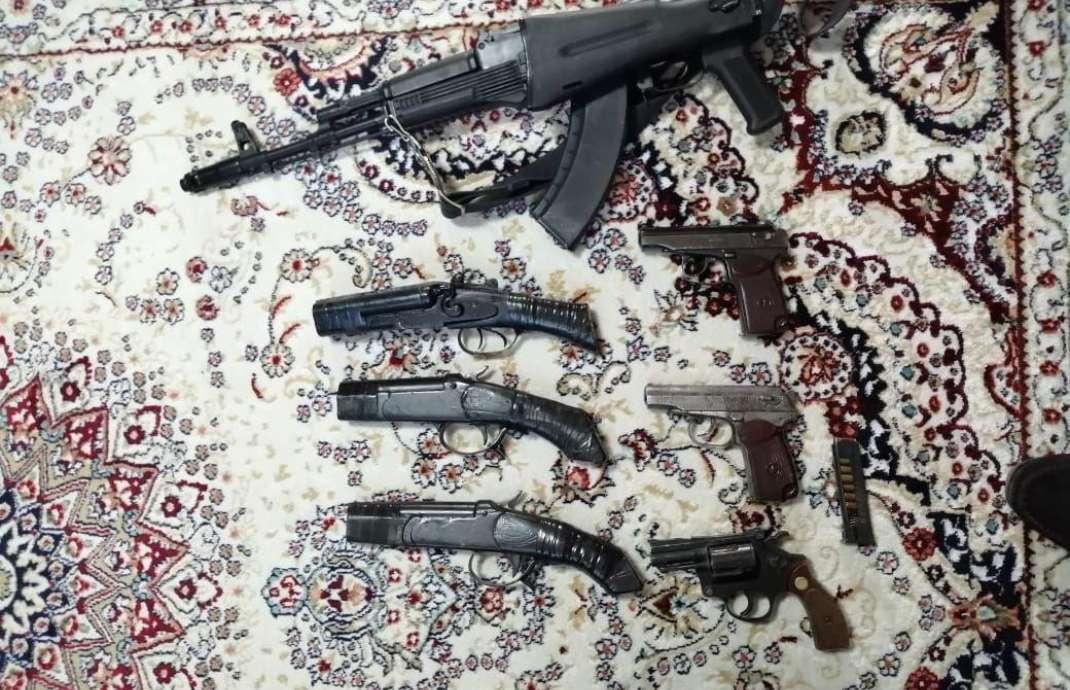 Оружие, изъятое во время обысков