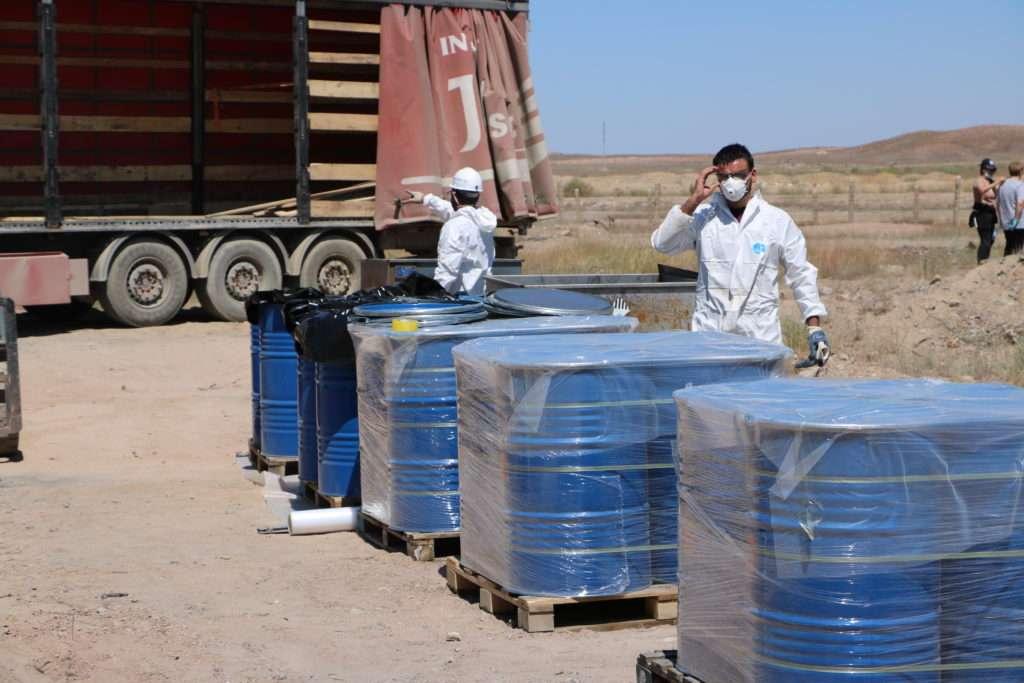 Вывоз опасных отходов с территории побережья Балхаша