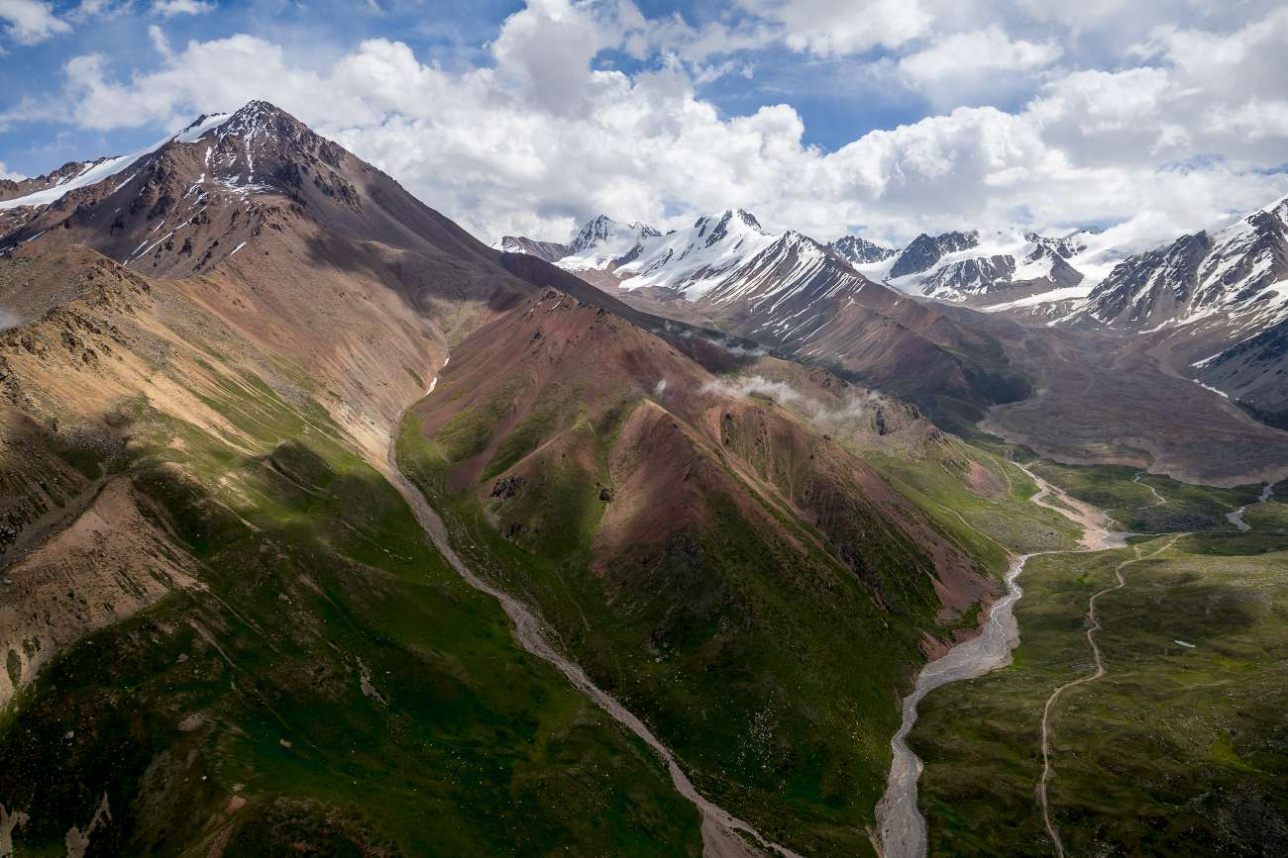 Уровень воды на равнине зависит от количества воды в горных реках