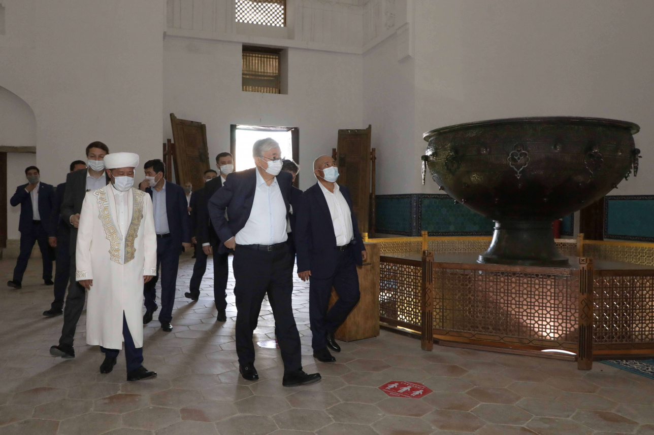 Президенту рассказали, что реставрация проведена по согласованию с ЮНЕСКО