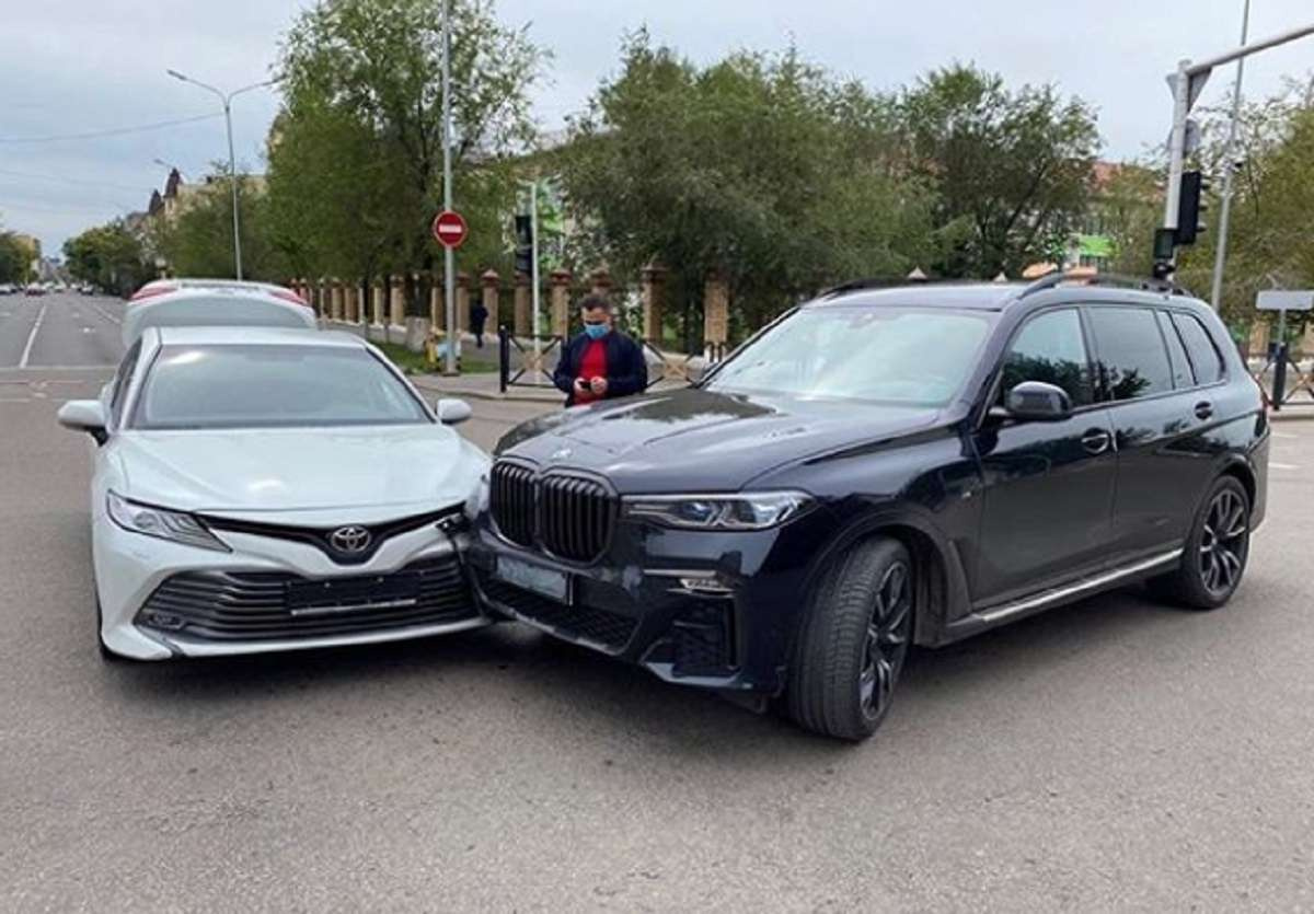 ДТП с участием Максима Головкина и Куаныша Монолбаева