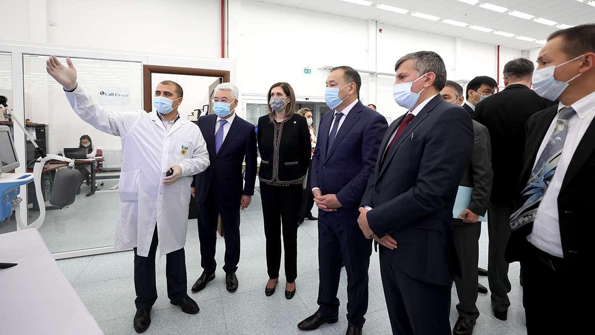 Ералы Тугжанов посетил компанию по производству аппаратов ИВЛ
