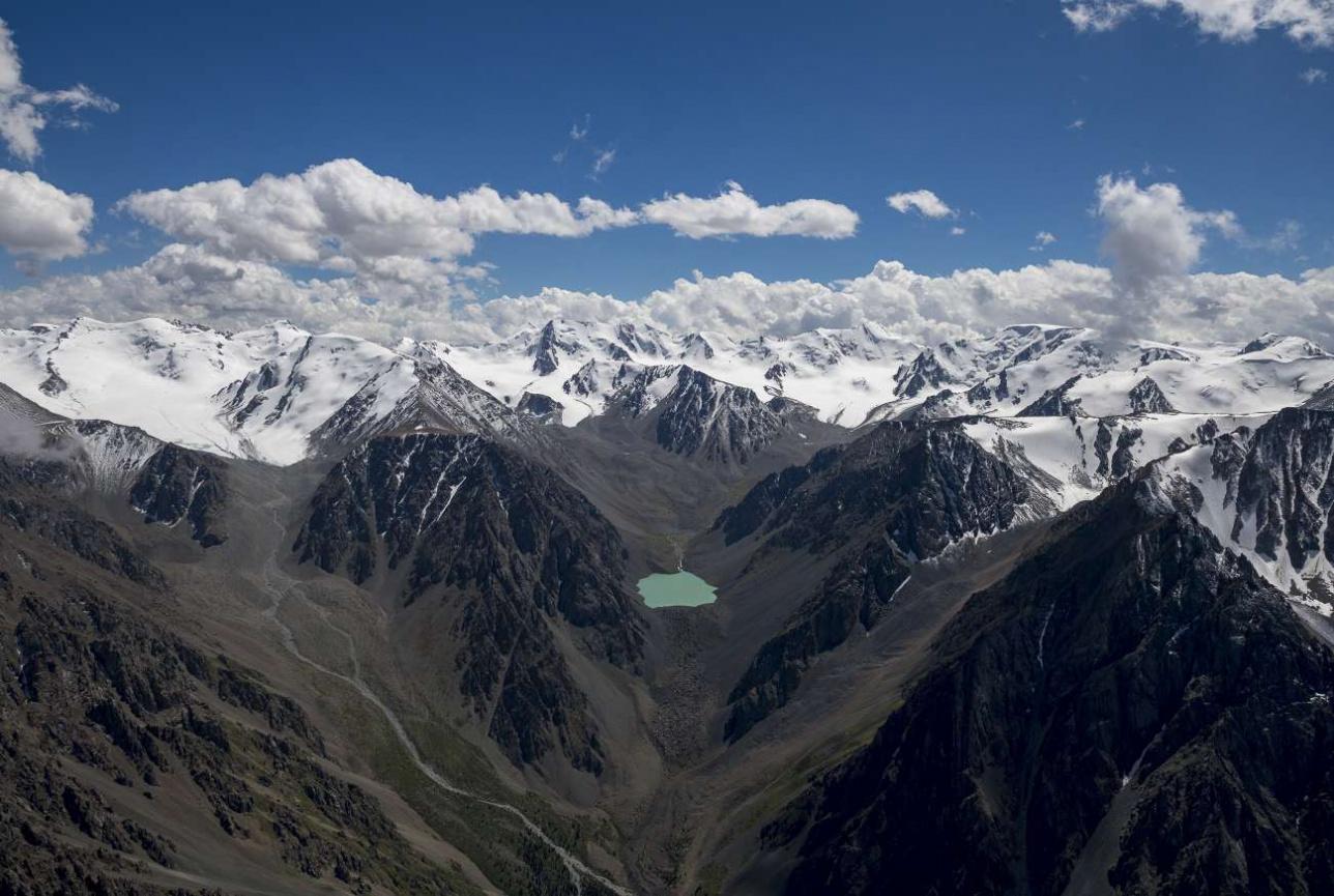 Заилийский Алатау с высоты 4000 метров