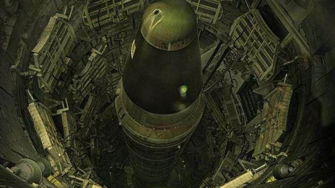 Снятая с вооружения американская межконтинентальная баллистическая ракета Titan-2 в шахте (штат Аризона)