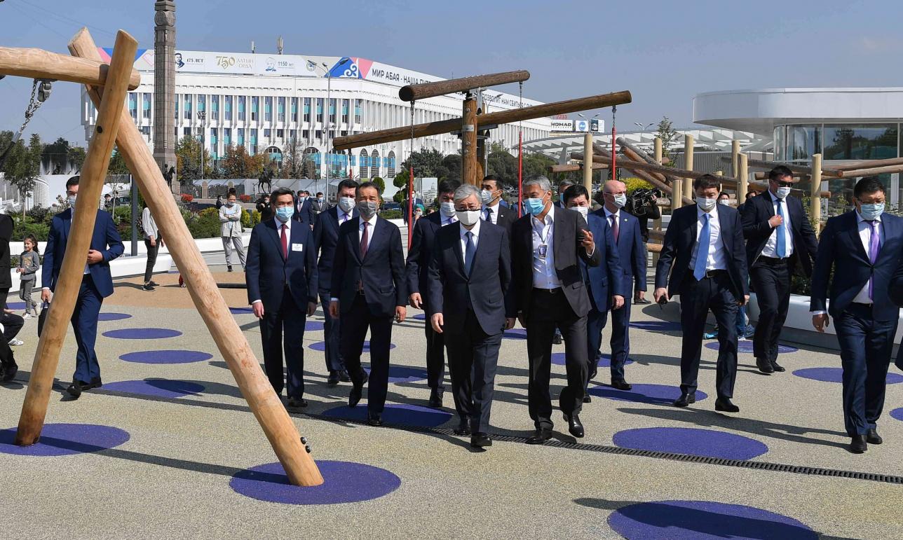 Президент на площади Республики