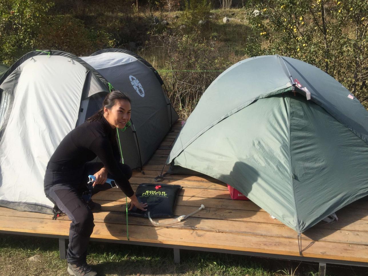 Палатки со снаряжением