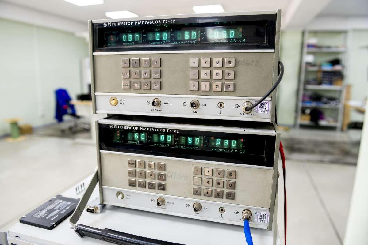 Генератор импульсов применяется при настройке оборудования комплекса