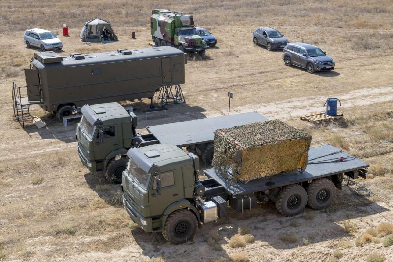 Оборудование комплекса размещается на двух автомобилях КАМАЗ