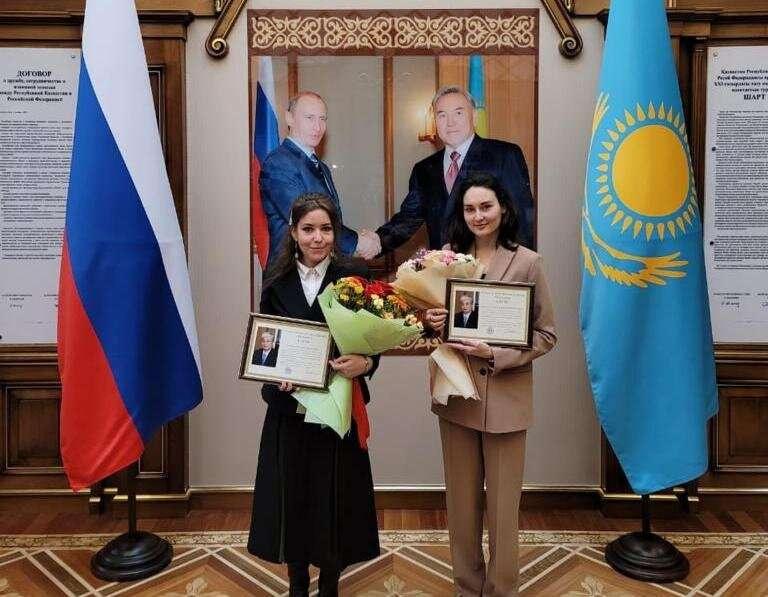Девушки создали видеоблог для тех, кто учит казахский язык