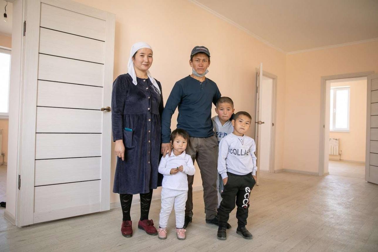 Семья Арубаевых в новом доме