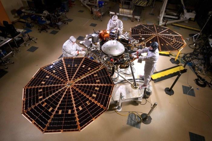 Посадочный модуль InSight на базе NASA в Денвере