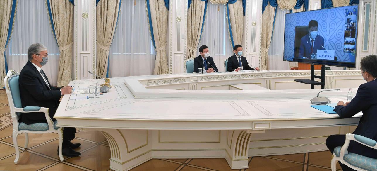 Глава государства принял участие в восьмом Съезде судей РК