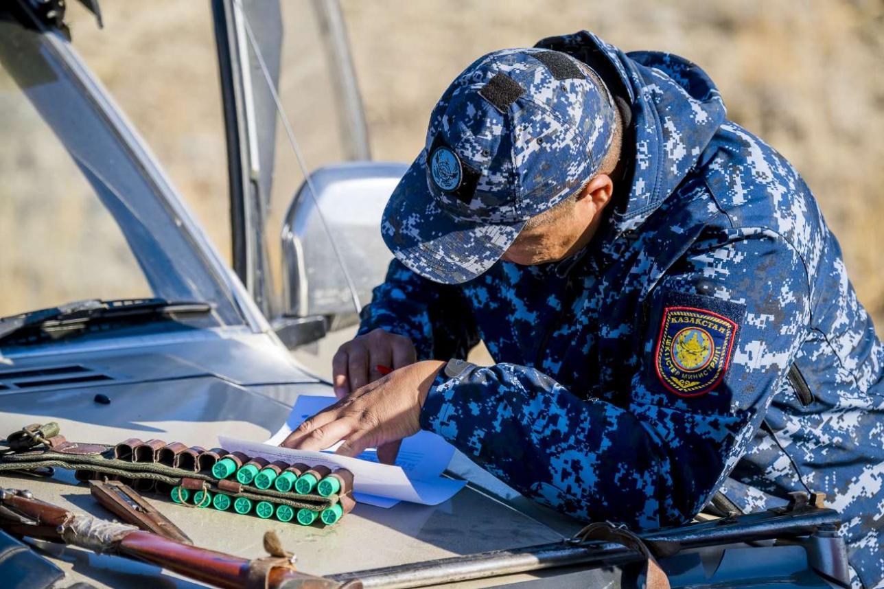 Оружие изымают и составляют протокол об административном правонарушении