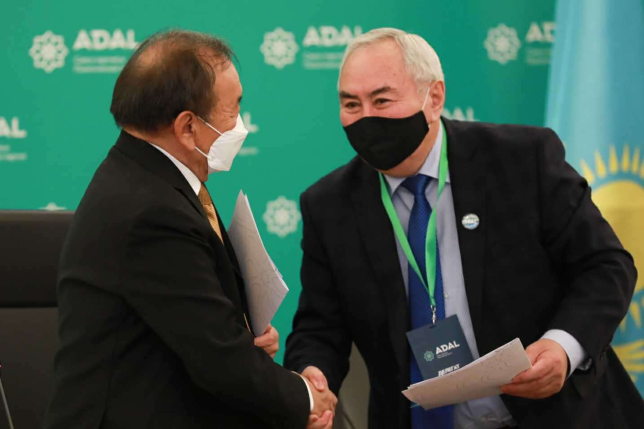 Серик Султангали и Жигули Дайрабаев