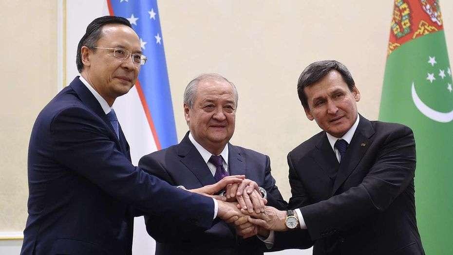 Договор подписали министры иностранных дел трёх стран