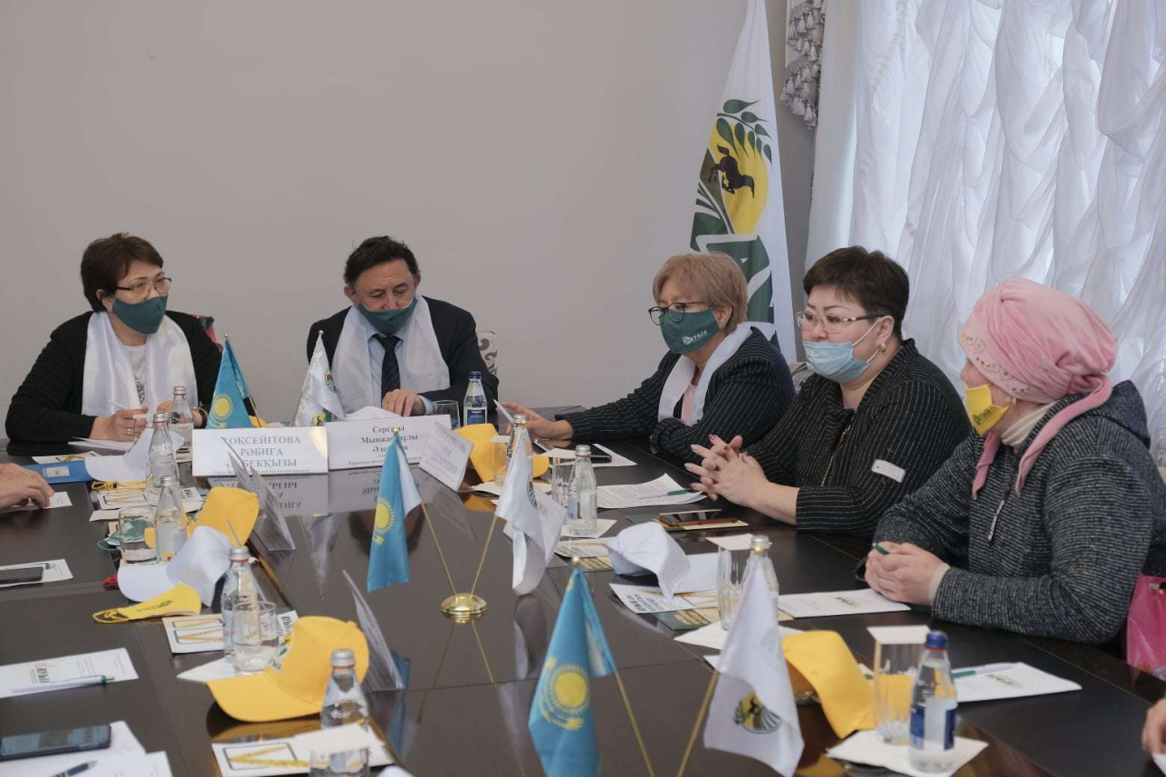 Встреча с многодетными матерями в Карагандинской области