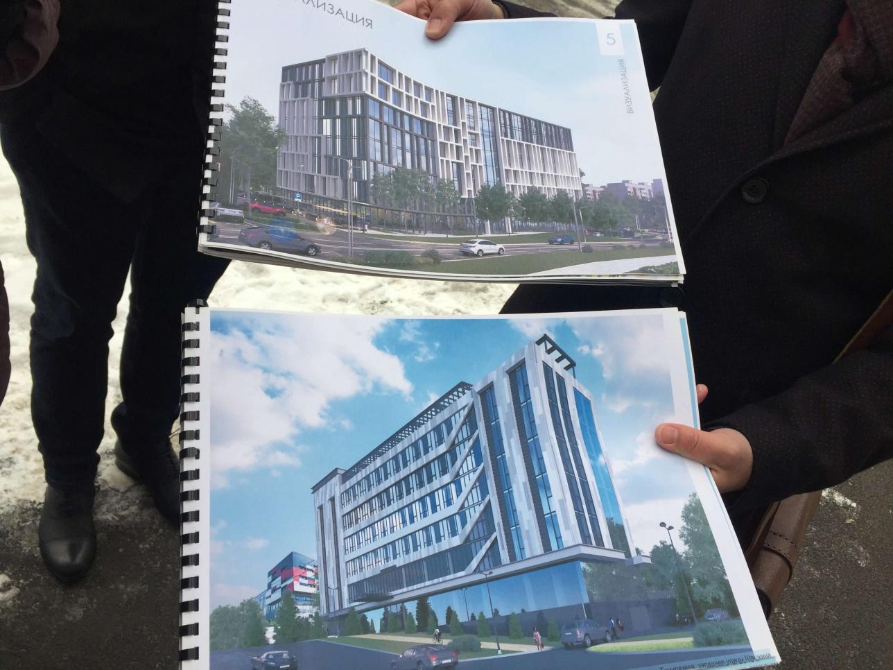 Верхний проект 2020 года, нижний 2018 года. Вот так будет выглядеть многоярусная парковка с объектами обслуживания населения и гостиница