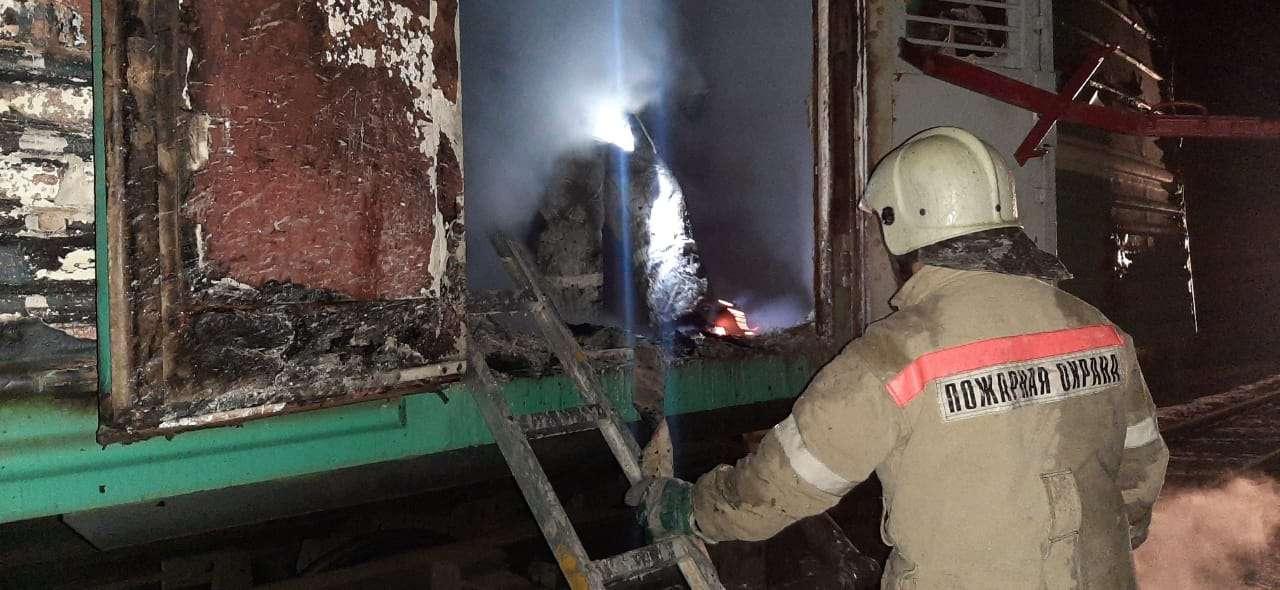 Багажный вагон полностью сгорел
