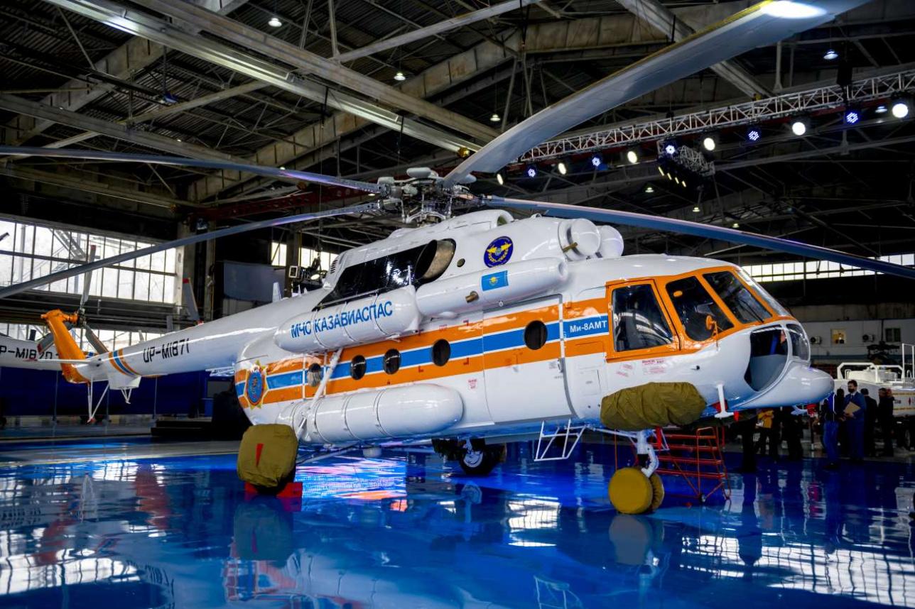 Ми-8 АМТ относится к вертолётам тяжёлого класса