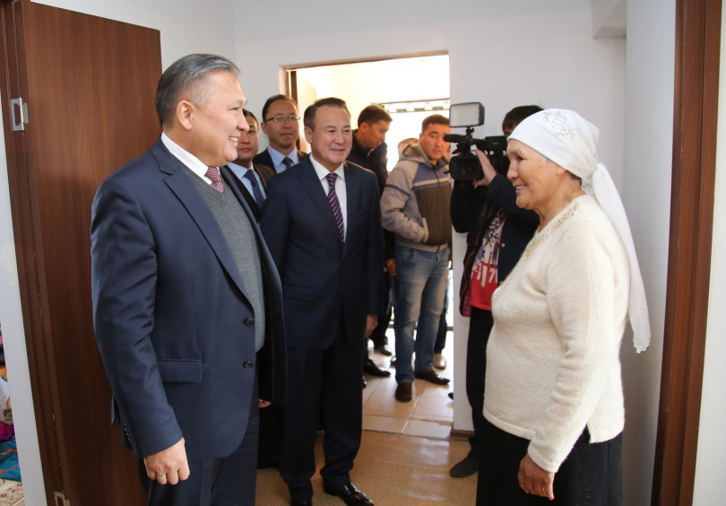 Мария Жалгабекова принимает в новом доме акима Карагандинской области
