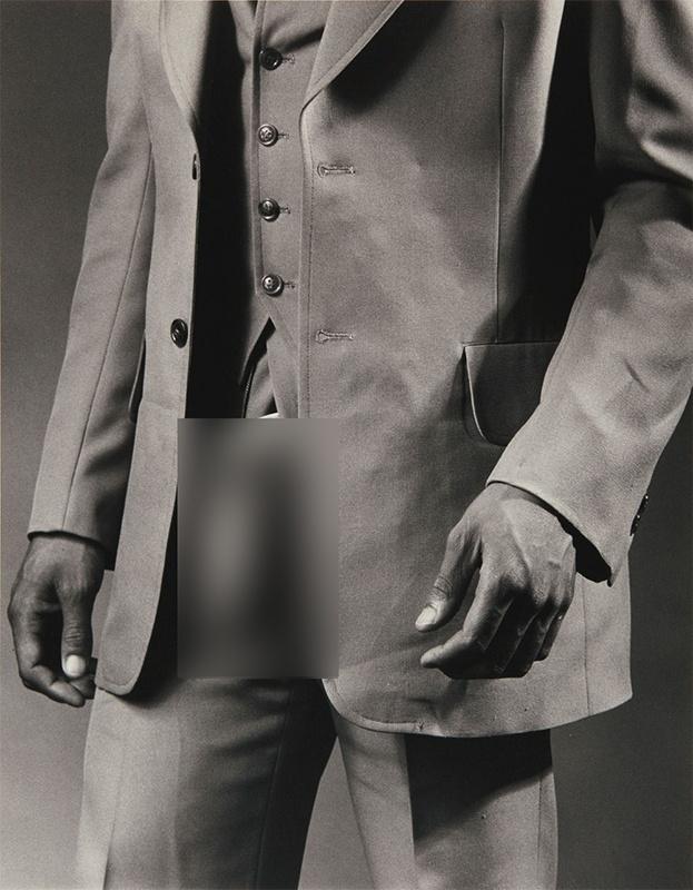 """Фотография """"Человек в костюме из полиэстера"""" продана за 500 000 долларов"""