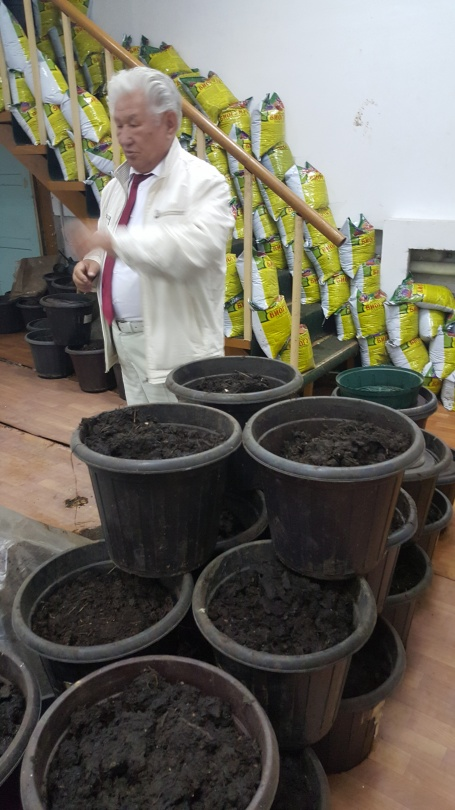 Каждый червяк за сутки съедает равный своему весу объём компоста