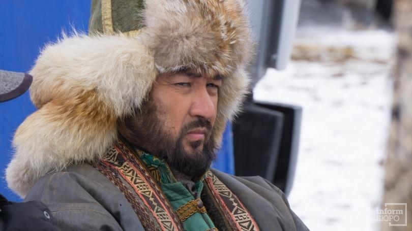 Бекболат Тлеухан играет в фильме акына Казтугана