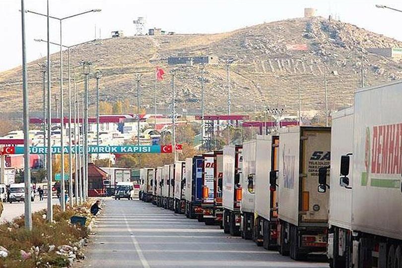 На границе Турции и Ирана наблюдаются многокилометровые пробки