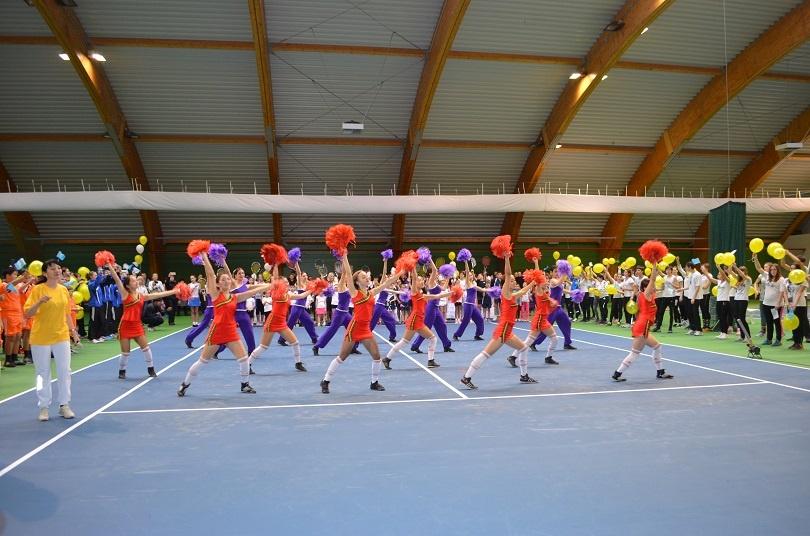 Заниматься теннисом регулярно смогут 100 детей