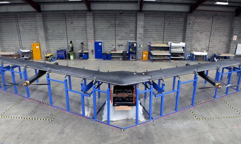 интернет-дрон от Facebook имеет размах крыла 28,63 метра и способен продержаться в воздухе до 90 дней