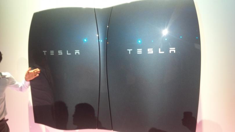 Домашний аккумулятор Tesla Powerwall помогает накапливать энергию из возобновляемых источников