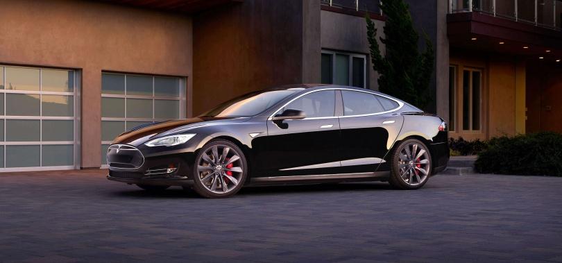 Автомобиль Tesla Model S стоимостью 59 500 долларов
