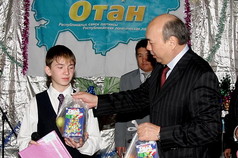 """Длительное время Бахытжан Жумагулов был заместителем Президента РК и в """"Отане"""", и в """"Нур Отане"""""""