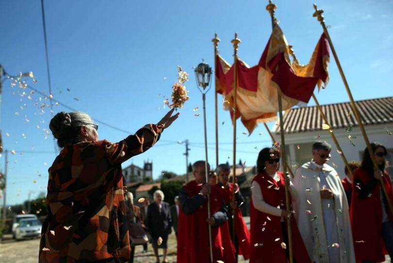 Пасхальное шествие в Proenca-A-Velha, в Португалии. (Фото: AP Images)