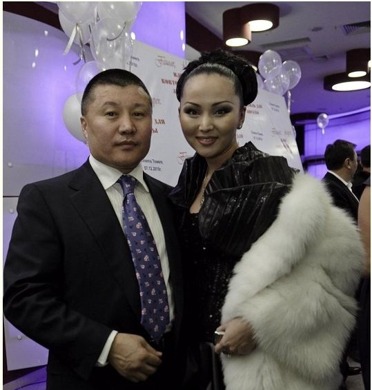 Баян Есентаева с мужем