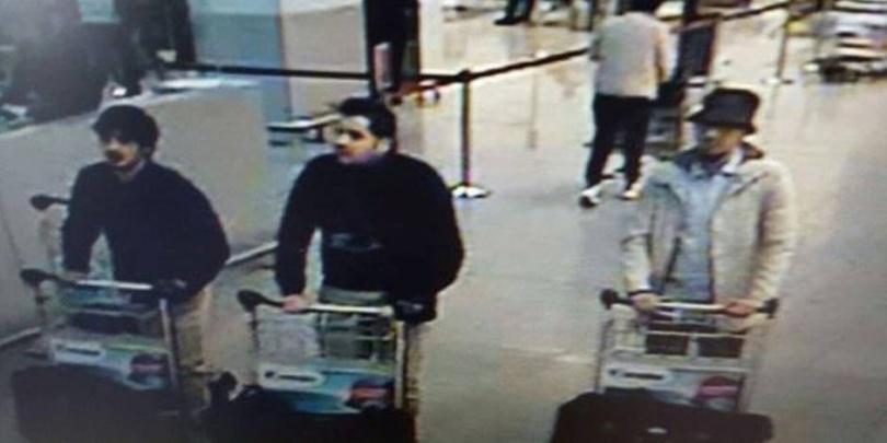 Кадр с камер видеонаблюдения - террористы везут бомбы